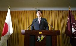 Futuro premiê do Japão, Shinzo Abe pressionou o banco central do país a tomar medidas mais agressivas de estímulo. 16/12/2012 REUTERS/Toru Hanai