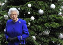 Britain's Queen Elizabeth leaves after attending a cabinet meeting at Number 10 Downing Street in London December 18, 2012. The Queen attended cabinet on Tuesday to mark her Diamond Jubilee, the first monarch to do so since Queen Victoria. REUTERS/Toby Melville