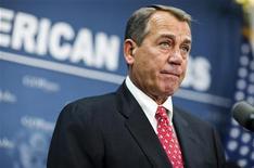 O presidente da Câmara dos EUA, John Boehner, fala em coletiva de imprensa no Congresso dos EUA, em Washington. 18/12/2012 REUTERS/Joshua Roberts
