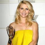 """La actriz ganadora de un premio Emmy Claire Danes ha dado a luz a su primer hijo, un niño, dijo el miércoles el representante de la estrella de """"Homeland"""". En la imagen, de 23 de septiembre, la actriz CLaire Danes posa con su premio Emmy por su papel en """"Homeland""""."""