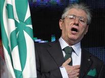 L'ex leader della Lega Umberto Bossi durante una manifestazione del Carroccio. REUTERS/Alessandro Garofalo