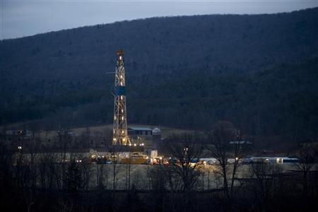 A natural gas well is drilled near Canton, in Bradford County, Pennsylvania January 8, 2012. Bradford County is currently ground zero for fracking the Marcellus shale in the Northeastern United States. REUTERS/Les Stone