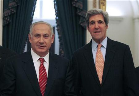 Israeli Prime Minister Benjamin Netanyahu (L) meets with members of the U.S. Senate Foreign Relations Committee including Committee Chairman John Kerry (D-MA) on Capitol Hill in Washington, May 19, 2009. REUTERS/Jason Reed