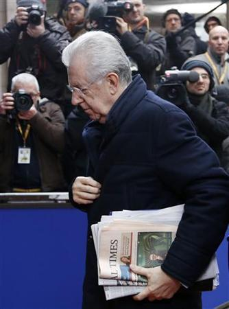 Italy's Prime Minister Mario Monti arrives at a European Union leaders summit in Brussels December 14, 2012. REUTERS/Francois Lenoir (BELGIUM - Tags: POLITICS BUSINESS)