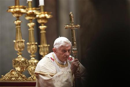Find room for God in fast-paced world, pope says on Christmas eve