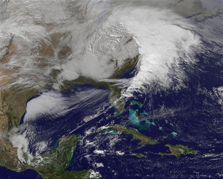 Winter storms hit eastern U.S., snarl post-holiday...