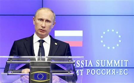 Russia's President Vladimir Putin holds a news conference at the end of an EU-Russia Summit meeting in Brussels December 21, 2012. REUTERS/Sebastien Pirlet