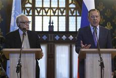 U.N.-Arab League peace mediator Lakhdar Brahimi (L) of Algeria and Russia's Foreign Minister Sergei Lavrov attend a joint news conference in Moscow December 29, 2012. The international mediator seeking to end the 21-month-old conflict in Syria met Russia's foreign minister in Moscow on Saturday after talks in Damascus but expectations of progress toward a negotiated solution were low. REUTERS/Sergei Karpukhin