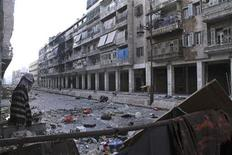 Mannequins are set up to confuse snipers loyal to Syria's President Bashar al-Assad in the old city of Aleppo December 23, 2012. Picture taken December 23, 2012. REUTERS/Aref Heretani