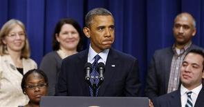 """Le président américain Barack Obama a déclaré lundi que l'accord sur le """"mur budgétaire"""" était en vue mais n'avait pas encore été conclu dans l'immédiat. /Phoot prise le 31 décembre 2012/REUTERS/Larry Downing"""