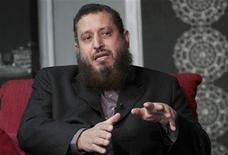 Um dos fundadores do novo partido político al-Watan, Emad Abdel Ghaffour, é visto durante entrevista concedida à Reuters em fevereiro de 2012, no Egito. Os principais membros do movimento radical islâmico do Egito lançaram um novo partido político nesta terça-feira, apontando novas rivalidades que podem dividir ainda mais o voto islâmico em uma eleição parlamentar iminente. 07/02/2012 REUTERS/Mohamed Abd El-Ghany