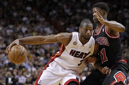 Boozer leaves Heat reeling as Bulls dominate