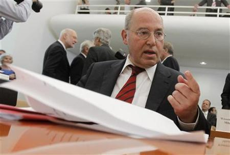 Germany's left-wing party Die Linke member Gregor Gysi attends hearing on the European Stability Mechanism (ESM) and the fiscal pact at German Constitutional Court in Karlsruhe July 10, 2012. Germany's top court will address on Tuesday whether Europe's new bailout scheme and budget rules are compatible with national law in a process influencing not just how to tackle the euro zone debt crisis, but how much deeper European integration can go. REUTERS/Alex Domanski (GERMANY - Tags: POLITICS BUSINESS)