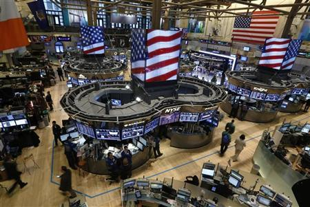Traders work on the floor of the New York Stock Exchange, January 7, 2013. REUTERS/Brendan McDermid