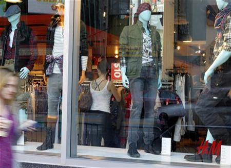 An H&M clothing store is pictured in Hollywood, California January 26, 2011. REUTERS/Fred Prouser
