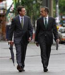 Bank of Canada Governor Mark Carney (R) walks to a Senate banking committee meeting with Senior Deputy Governor Tiff Macklem in Ottawa June 22, 2011. REUTERS/Chris Wattie