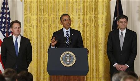 U.S. President Barack Obama announces that White House Chief of Staff Jack Lew (R) will be his nominee for U.S. Treasury Secretary, replacing Timothy Geithner (L), in the East Room of the White House in Washington, January 10, 2013. REUTERS/Larry Downing