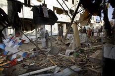 Место взрыва бомбы в Кветте 11 января 2013 года. Как минимум 114 человек погибли в результате серии взрывов в двух пакистанских городах в четверг, сообщила полиция утром в пятницу. REUTERS/Naseer Ahmed