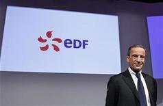 Henri Proglio, PDG d'EDF. Le groupe français a annoncé avoir cédé à fin 2012 l'ensemble de sa participation de 1,6% du capital de la société Exelon américaine pour un montant d'environ 470 millions de dollars, avec une prime de 18,6% par rapport au dernier cours de l'opérateur américain d'électricité. /Photo prise le 16 février 2012/REUTERS/Jacky Naegelen