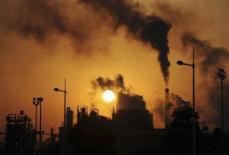 Smoke billows from chimneys at a chemical factory in Hefei, Anhui province March 10, 2010. REUTERS/Stringer