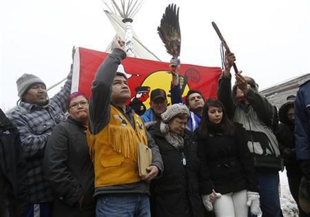 Canada pledges better water for aboriginals amid blockade threat