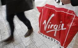 Le groupe Virgin Megastore, qui a déposé le bilan la semaine dernière, a été placé lundi en redressement judiciaire par le tribunal de commerce de Paris. /Photo prise le 4 janvier 2013/REUTERS/Christian Hartmann