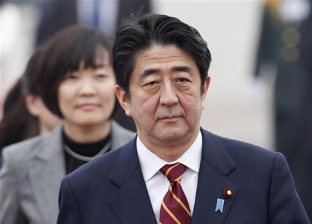 Japan's Prime Minister Shinzo Abe arrives at Noi Bai airport in Hanoi January 16, 2013. REUTERS/Kham