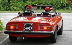 Una Spider Alfa Romeo d'epoca. REUTERS/Max Rossi