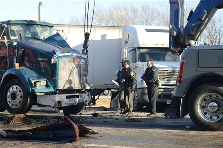 Girl killed in massive pileup on icy Ohio highway - Reuters
