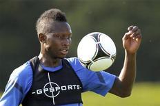 Le défenseur international français Mapou Yanga-Mbiwa va quitter Montpellier pour Newcastle. Le montant de son transfert n'a pas été précisé mais il serait proche de huit millions d'euros selon les medias. /Photo d'archives/REUTERS/Charles Platiau