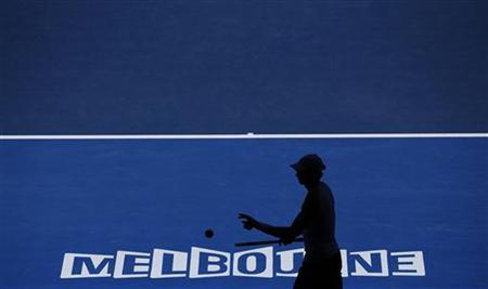 Andy Murray of Britain prepares to serve to Jeremy Chardy of France during their men's singles quarter-final match at the Australian Open tennis tournament in Melbourne January 23, 2013. REUTERS/Damir Sagolj