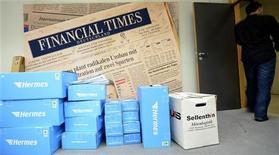 Jornal Financial Times anuncia o corte de 25 postos de trabalho para reduzir custos e se concentrar em seus serviços digitais. 06/12/2012 REUTERS/Fabian Bimmer