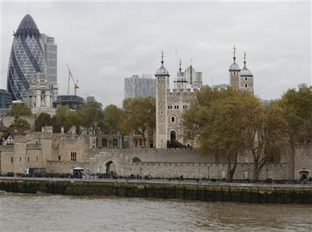 The Tower of London is seen in central London November 13, 2012. REUTERS/Olivia Harris