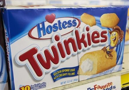 A box of Hostess Twinkies is seen on the shelves at a Wonder Bread Hostess Bakery Outlet in Glendale, California, in this November 16, 2012, file photo. REUTERS/Bret Hartman/Files