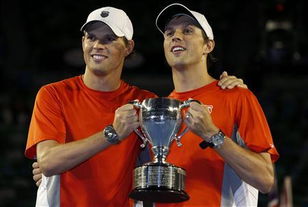 Bryan twins break record for grand slam doubles titles