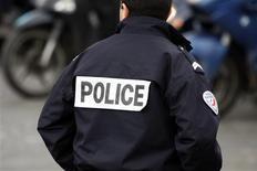 Manuel Valls, a dévoilé mardi aux syndicats policiers les détails d'un nouveau redéploiement entre la police et la gendarmerie qui concernera une quarantaine de communes. /Photo d'archives/REUTERS/Charles Platiau