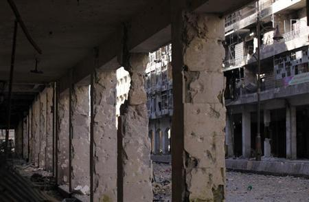 A general view shows the damage in the main street of al-Sabaa Bahrat in old Aleppo, January 29, 2013. REUTERS/Zain Karam (SYRIA - Tags: POLITICS CIVIL UNREST)