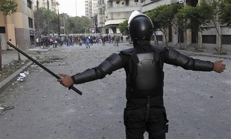 Egypt curfew scaled back as Mursi seeks end to bloodshed
