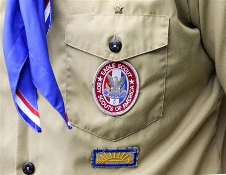 Boy Scouts of America considers ending ban on gays