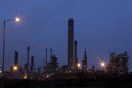 A general view shows the Coryton oil refinery in south-eastern England January 24, 2012.REUTERS/Stefan Wermuth