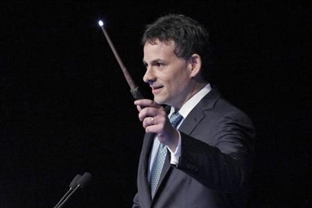 David Einhorn, president of Greenlight Capital, holds a toy wand as part of a joke during the Sohn Investment Conference in New York, May 16, 2012. REUTERS/Eduardo Munoz/Files