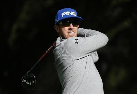 Hunter Mahan tees off on the sixth hole during the Pro-Am round of the World Challenge golf tournament in Thousand Oaks, California, November 28, 2012. REUTERS/Lucy Nicholson