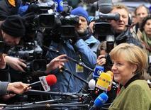 El superávit comercial de Alemania alcanzó el segundo nivel más alto en más de 60 años en 2012, según datos oficiales conocidos el viernes que apuntan a una fortaleza subyacente en la mayor economía de Europa. Imagen de la canciller alemana, Angela Merkel, al llegar a la sede del Consejo Europeo en Bruselas el 7 de febrero. REUTERS/Yves Herman