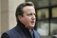 """O primeiro-ministro do Reino Unido, David Cameron, comparece a reunião da União Europeia em Bruxelas. Cameron admitiu que a Escócia possui todos os elementos necessários para ser uma nação independente, mas disse que agora desfruta """"do melhor dos mundos"""" e pediu que não cause a ruptura com o Reino Unido. 8/02/2013 REUTERS/Eric Vidal"""
