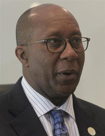 U.S. Trade Representative Ron Kirk speaks during a news conference in Hanoi September 3, 2012. REUTERS/Kham