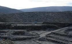 Золоторудное месторождение Голец Высочайший в Восточной Сибири 28 сентября 2012 года. РФ увеличила добычу и производство золота на 7 процентов в 2012 году, что превзошло прогноз Союза золотопромышленников, ожидавшего 5-процентного роста, следует из предварительных данных Союза. REUTERS/Clara Ferreira Marques