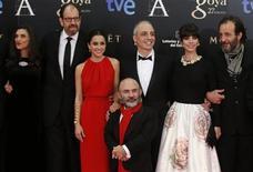 """A continuación, una lista con las películas ganadoras de los premios Goya 2013. En la imagen, el equipo de """"Blancanieves"""", que logró el domingo 10 Goyas, antes del inicio de la gala, el 17 de febrero de 2013. REUTERS/Sergio Pérez"""