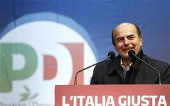 Pier Luigi Bersani sabato scorso a Milano. REUTERS/Alessandro Garofalo