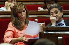 La Policía Nacional ha incautado numerosa documentación en la sede barcelonesa de la agencia de detectives Método 3, según confirmaron el miércoles fuentes policiales, después de que varios medios situaran a la empresa en el centro de un escándalo de espionaje a políticos y empresarios. En la imagen, la presidenta del PP de Cataluña, Alicia Sánchez Camacho, que ha denunciado haber sufrido espionaje, durante una sesión en el Parlamento catalán, el 27 de septiembre de 2012. REUTERS/Gustau Nacarino