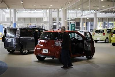 Toyota aims for record global production in 2013